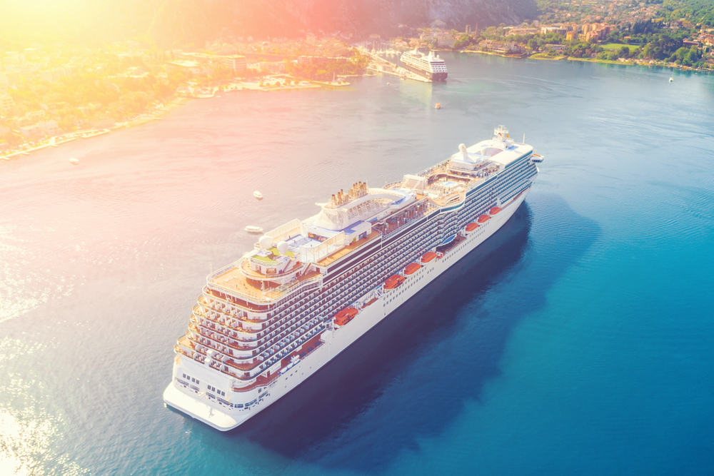 Luxurious Cruise takes you to 27 countries in 1 single trip