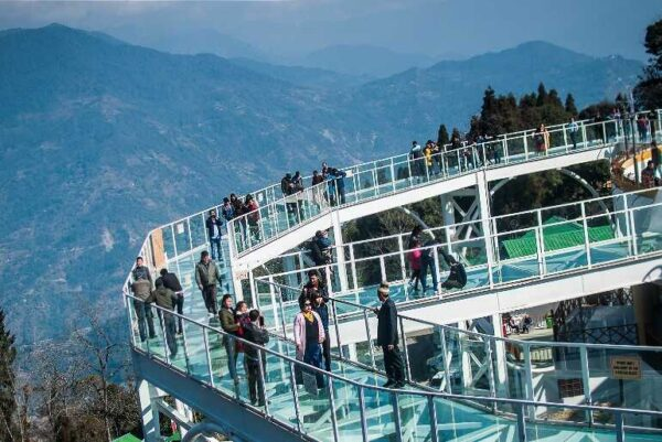 Indias first glass skywalk located in Sikkim 1 e1605078008293